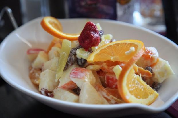 Рецепт экзотического фруктового салата с майонезом
