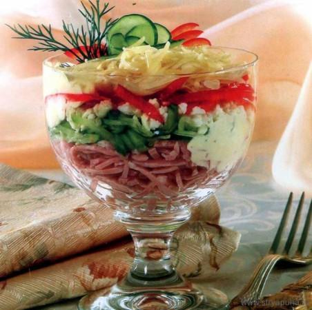 Рецепт салат-коктейля с ветчиной и сыром