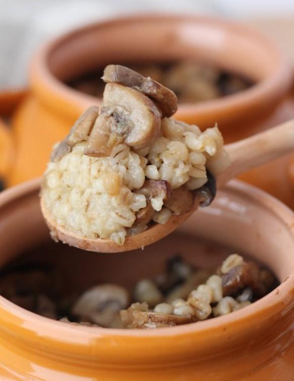 красивые фото гречки с грибами в горшочке всё равно