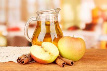 Компот из яблок и ягод в мультиварке