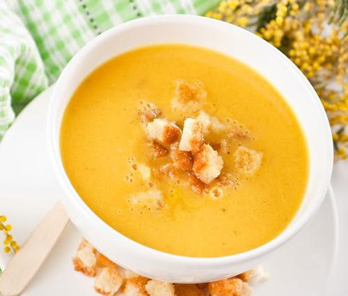 Суп-пюре гороховый с гренками