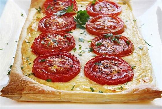 Пирог с жареными помидорами