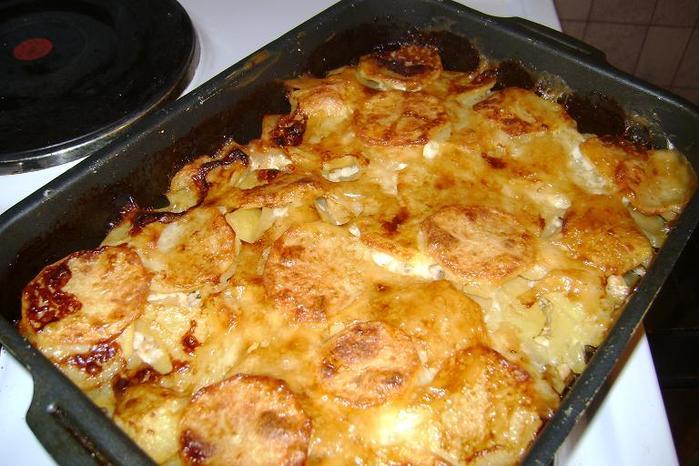 Картошка с мясом в духовке с сыром и майонезом рецепт с пошагово