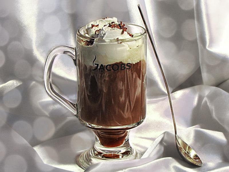 где можно отдохнуть с мороженым и кофе