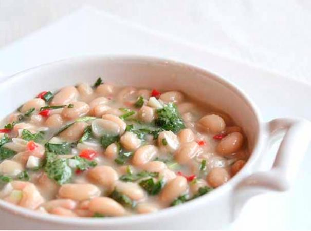 Салат из белой фасоли и лука по-итальянски
