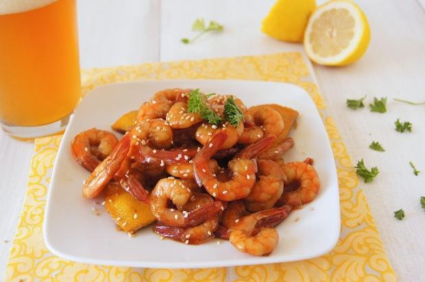 Жареные креветки в соусе