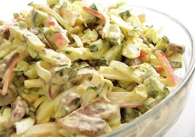 Салат из шампиньонов с крабовыми палочками