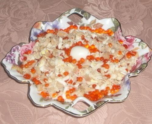 Салат из крабовых палочек, кальмаров и креветок