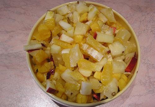 Салат из банана и апельсина