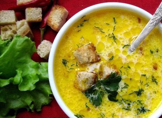 Сырный суп с ветчиной