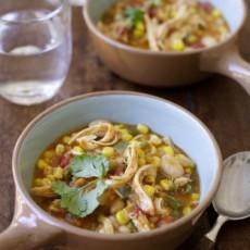 Мексиканский куриный суп с овощами и зелеными бананами