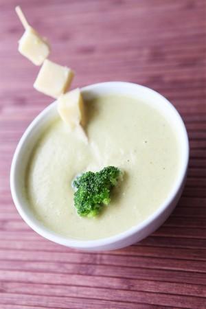 Суп-пюре из кабачков с зеленью