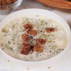 Суп с сельдереем и сметаной