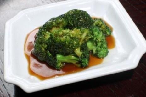 Брокколи в устричном соусе