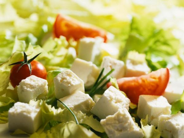 Кипрский салат с помидорами и сыром