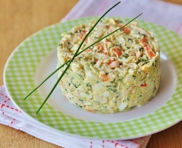 Салат из крабовых палочек яйцо лук