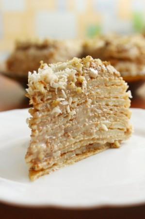 Блинный торт с кремом из сгущенного молока