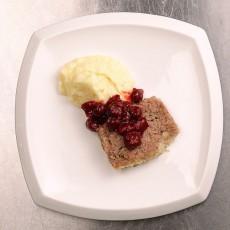 Мясной хлеб с вишневым соусом