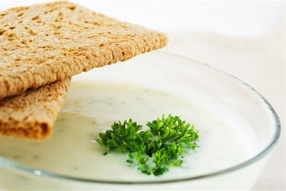 Крем-суп из цветной капусты с пармезаном
