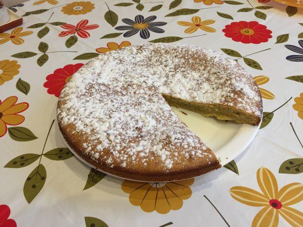 Банановый пирог с молоком