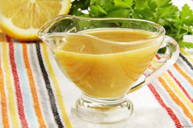 Медово-горчичный соус для лосося