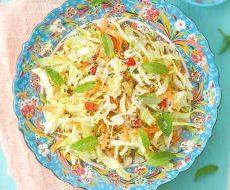 Салат из капусты и моркови