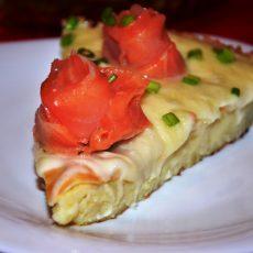 Картофельный пирог с семгой