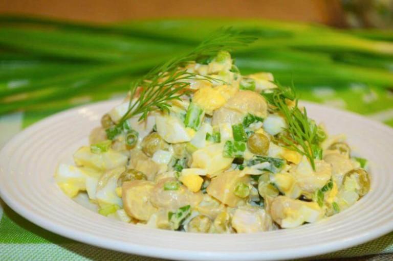 салат копченой курицей и солеными огурцами рецепт