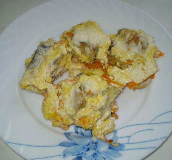 Рецепт минтай с луком и сметаной