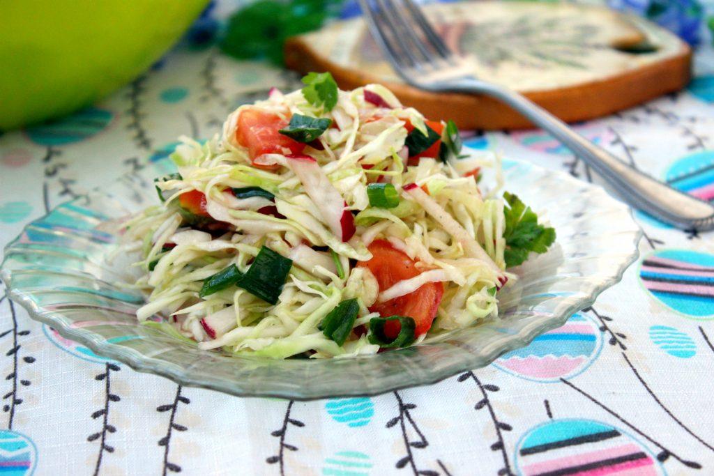 Салат овощной с растительным маслом с фото