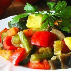 Рагу из тушеных овощей
