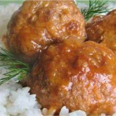 Тефтели с рисом в сметанном соусе